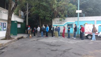 Line for casilla in the Coyoacán district.
