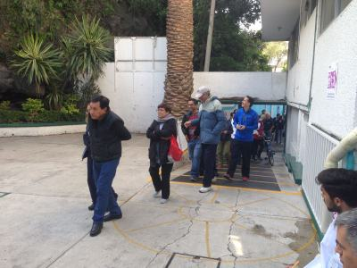 Voters enter Coyoacan 0729